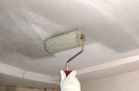 Шпаклюем потолок